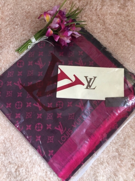 Палантин Louis Vuitton малина